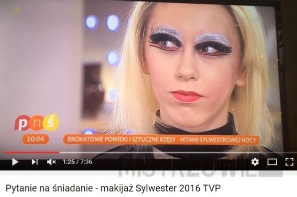 """""""Ciekawa"""" propozycja Sylwestrowego makijażu –"""